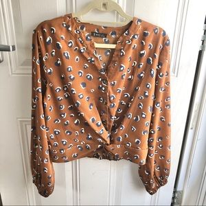Very J brown Leopard print women's shirt Size M